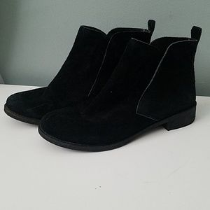 Lucky Brand suede ankle bootie